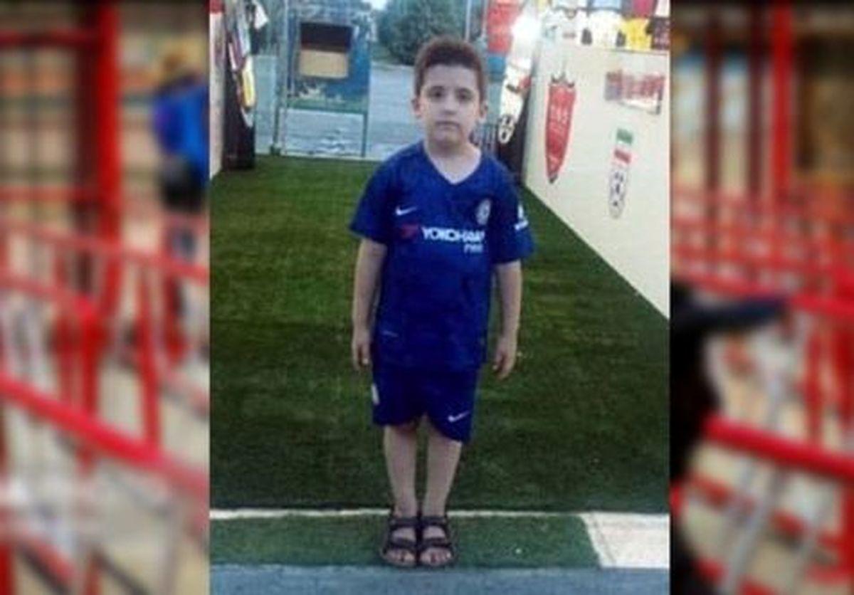 اعلام مقصران مرگ پسر ۸ ساله در ورزشگاه آزادی/ صفیاری: نمیگذارم خون پسرم پایمال شود +حکم دادگاه