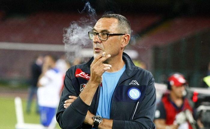کلافه شدن کاپیتان یوونتوس از سیگاری بودنِ آقای مربی!