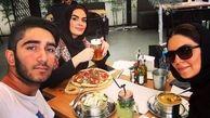 عکس سارا خوئینی ها در حال پیتزا خوری