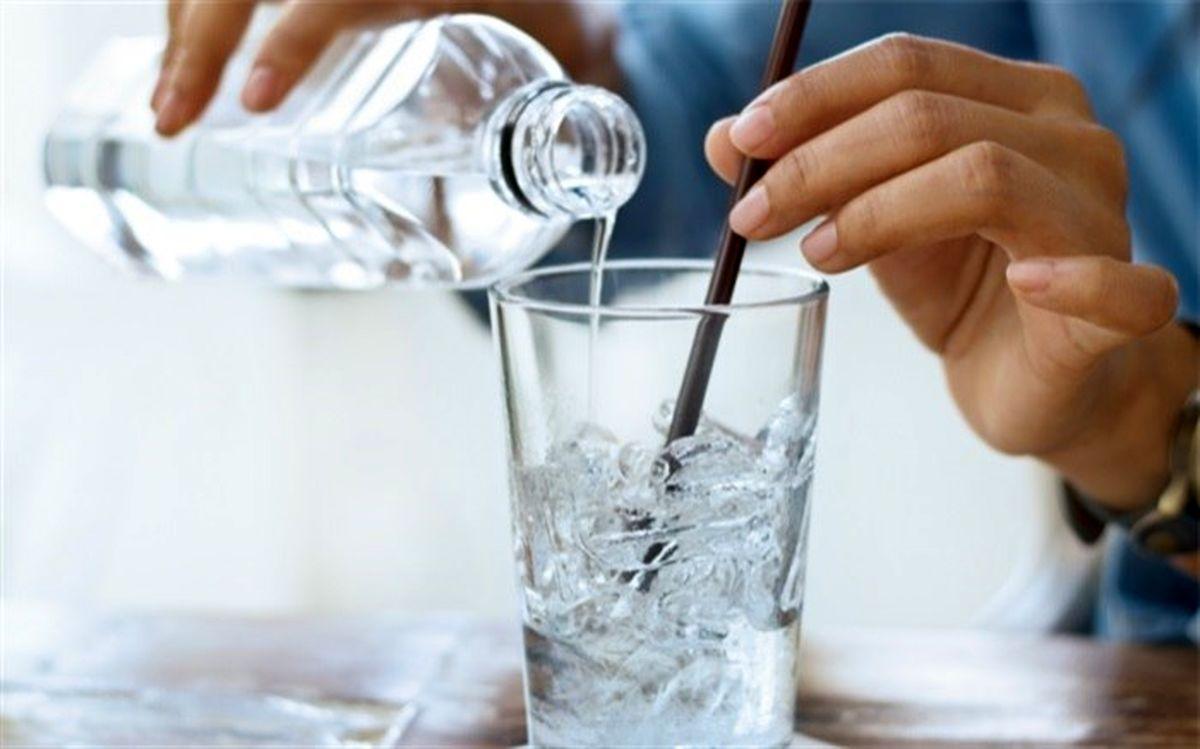 آشنایی با آسیب های خطرناک آب یخ