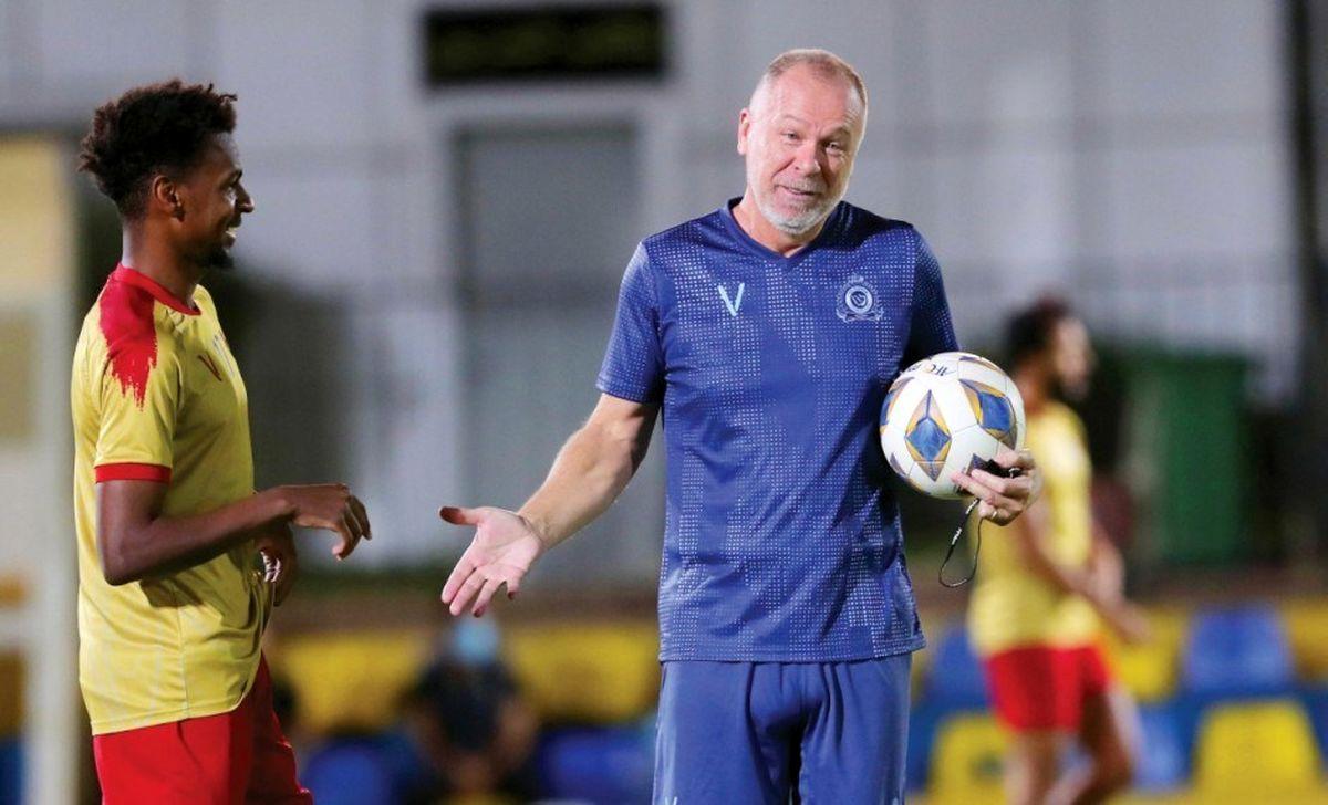 سرمربی النصر در حال تقویت بازیکنان