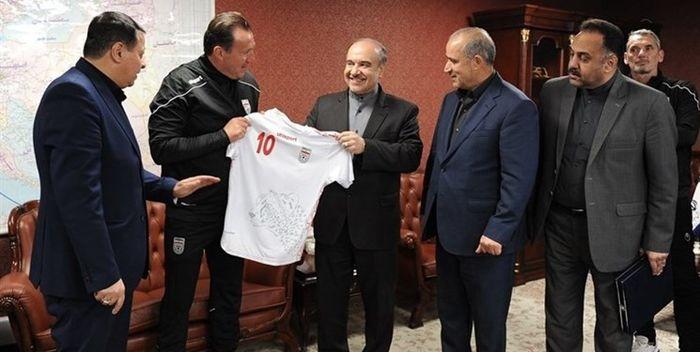 وزیر ورزش و مدیران فدراسیون فوتبال به مجلس احضار شدند