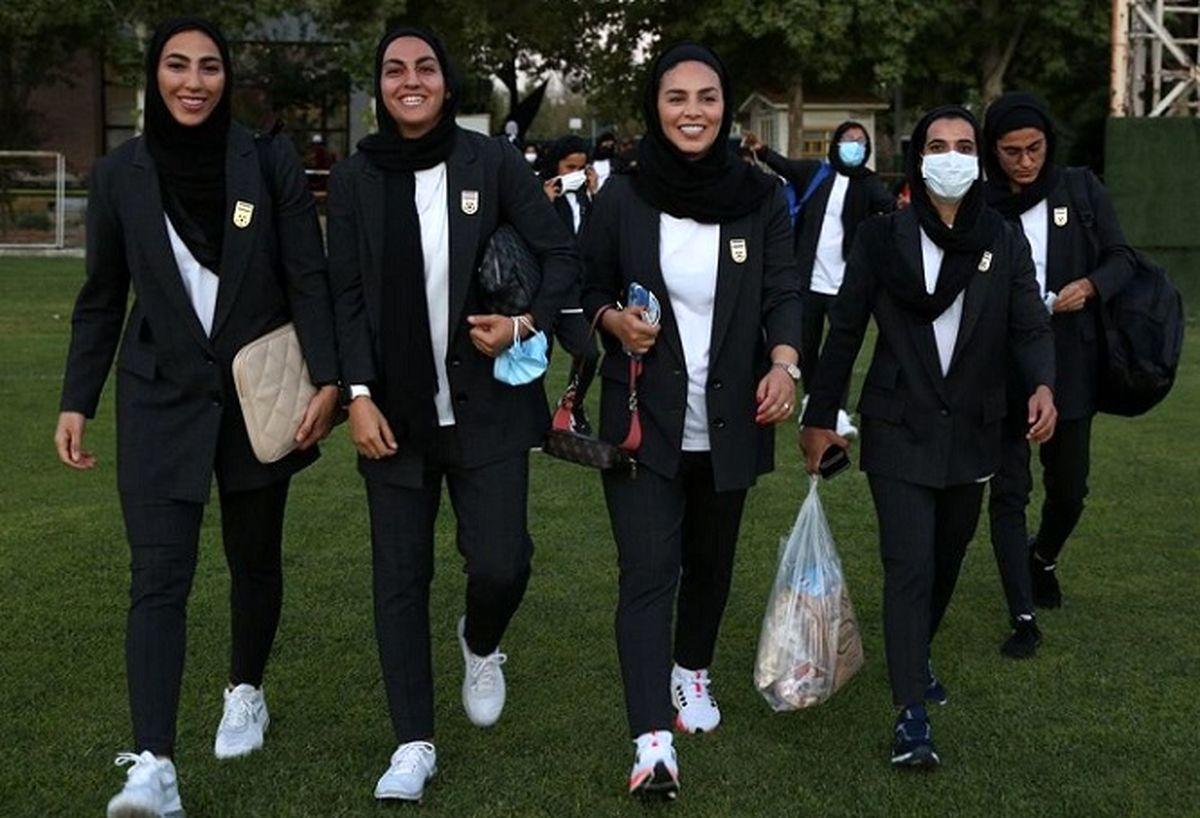 عصبانیت شدید نماینده مجلس از نحوه لباس تیم فوتبال زنان