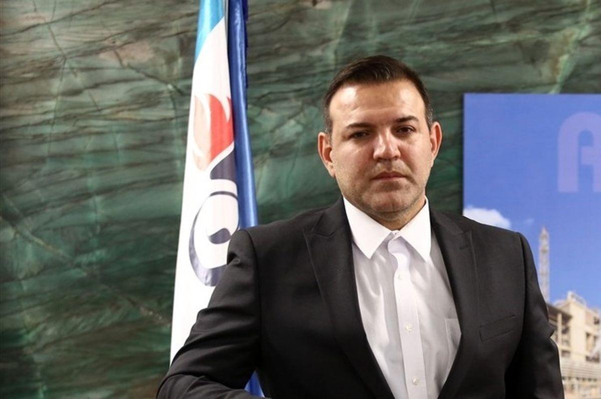 ۵۰ روز پس از حضور عزیزیخادم/ تداوم وضعیت دوشغله بودن رئیس فدراسیون فوتبال + عکس