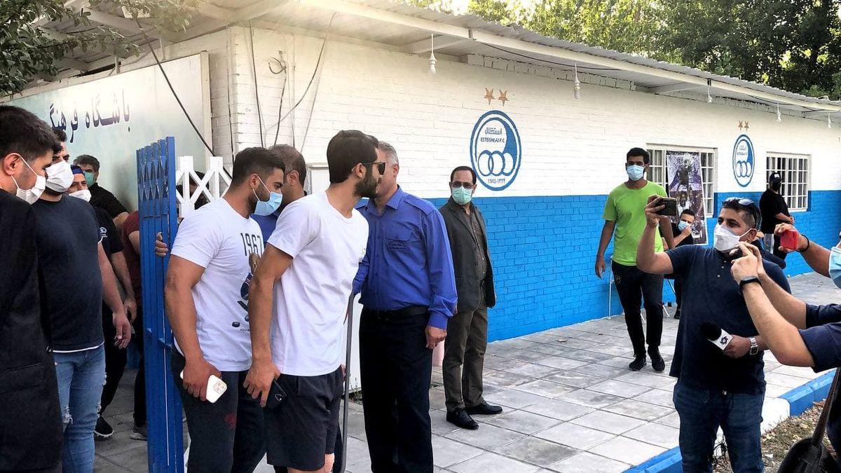 رباط مدافع استقلال 5 روز دیگر زیر تیغ جراحی