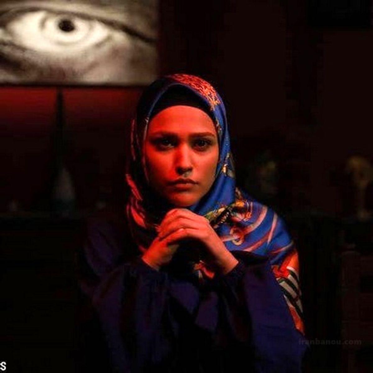 عکس آدرینا صادقی(مائده سریال احضار)با چادر حریر و تصاویر خاص