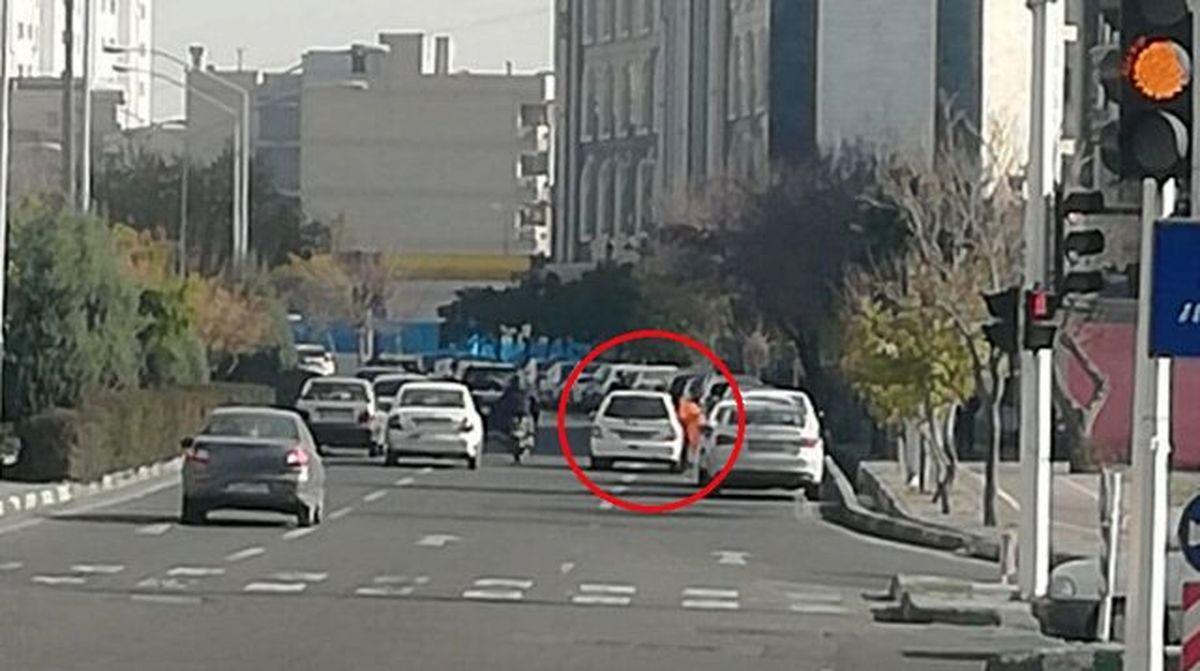 شغل جدید زنان در تهران:عابرزنی