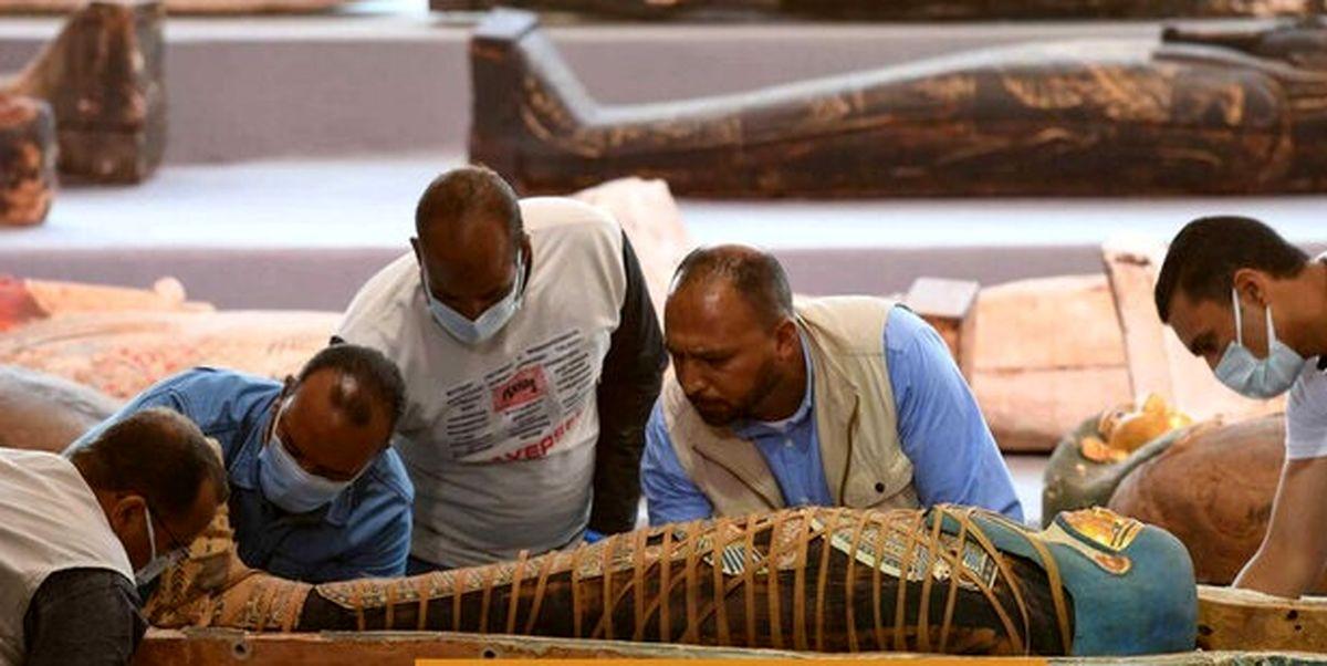 لحظه رونمایی از  تابوتهای باستانی در مصر+فیلم دیدنی