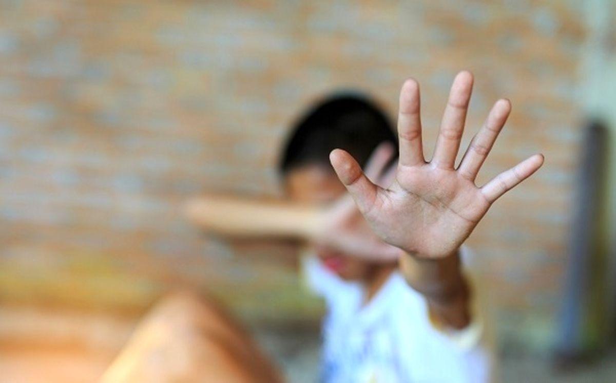 روش عجیب یک زن برای تجاوز جنسی به پسران نوجوان / او معتاد جنسی بود!+ عکس