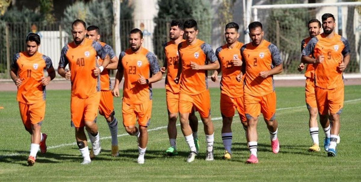 سرپرست هوادار: بازیکنان ماصمیمیت آنچنانی با منصوریان ندارند