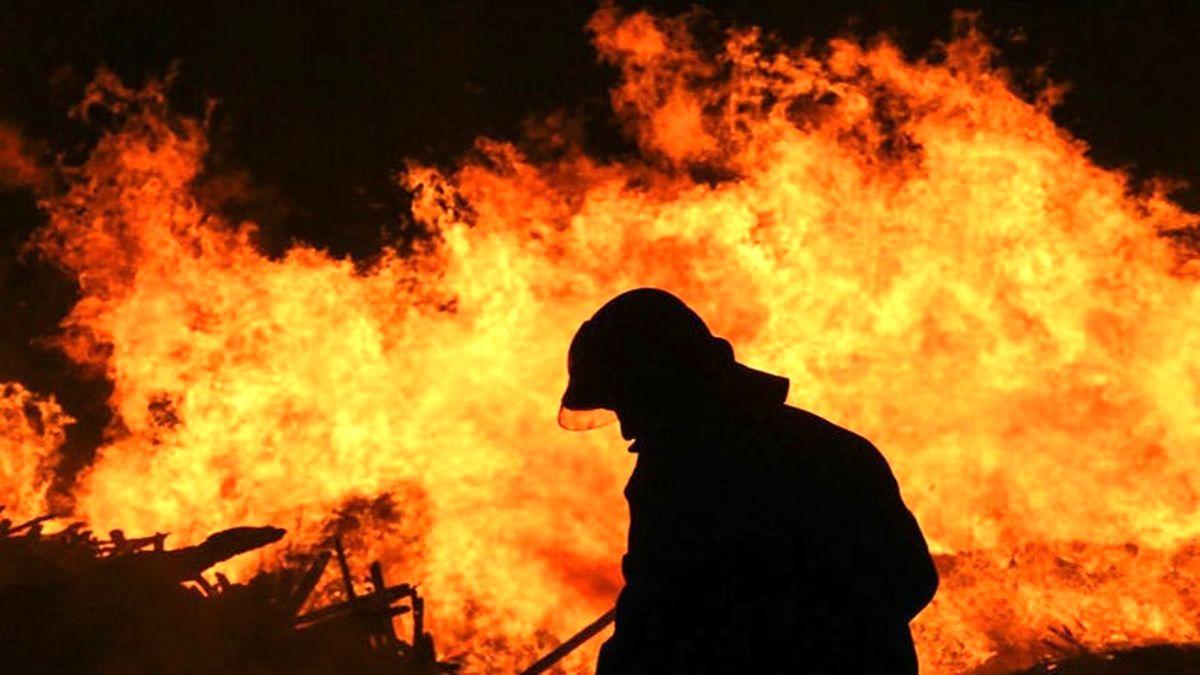 آتش سوزی هولناک اتوبوس را در اتوبان قم ذوب کرد؛تصاویر تلخ
