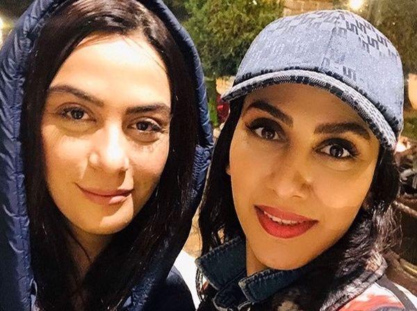 عکس حجاب خاص و متفاوت مارال و مونا فرجاد در باکو
